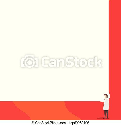 Los científicos mantienen una tabla cuadrada con sus dos manos. El hombre de pie se encarga de la gran tabla de presentación. Erudito mostrando al público nuevos inventos para ahorrar energía. - csp69289106