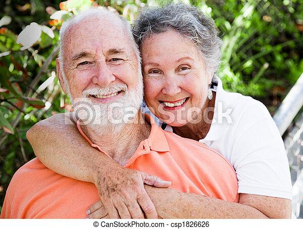 Una pareja sana y feliz - csp1826626