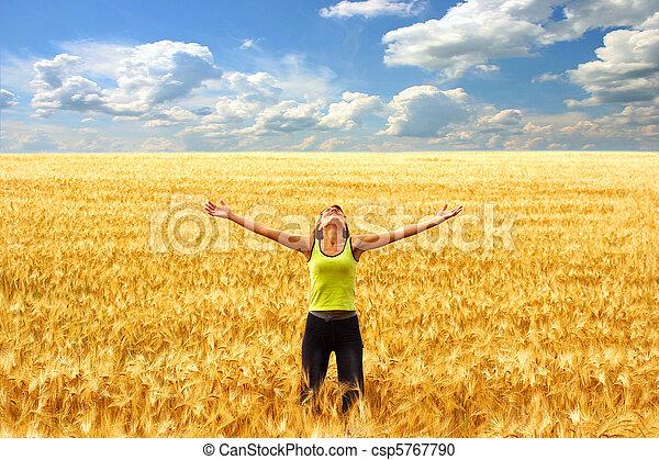 Libertad y felicidad - csp5767790