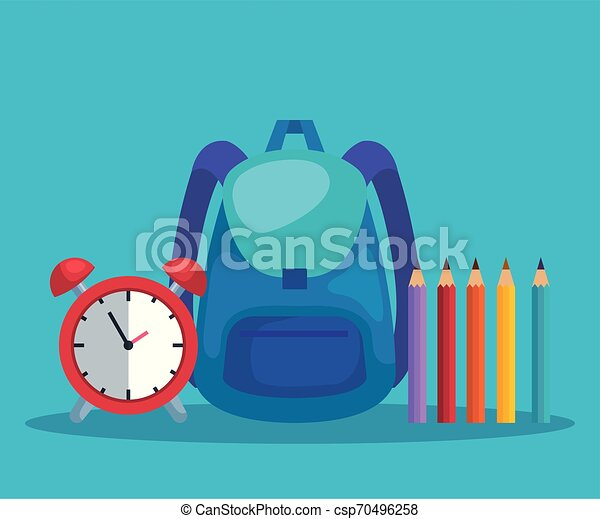 Una mochila con alarma de reloj y colores de lápices - csp70496258
